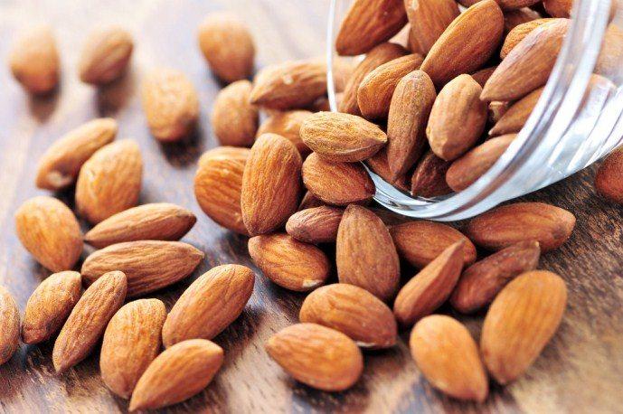 Пища, которая сделает вашу кожу молодой и сияющей