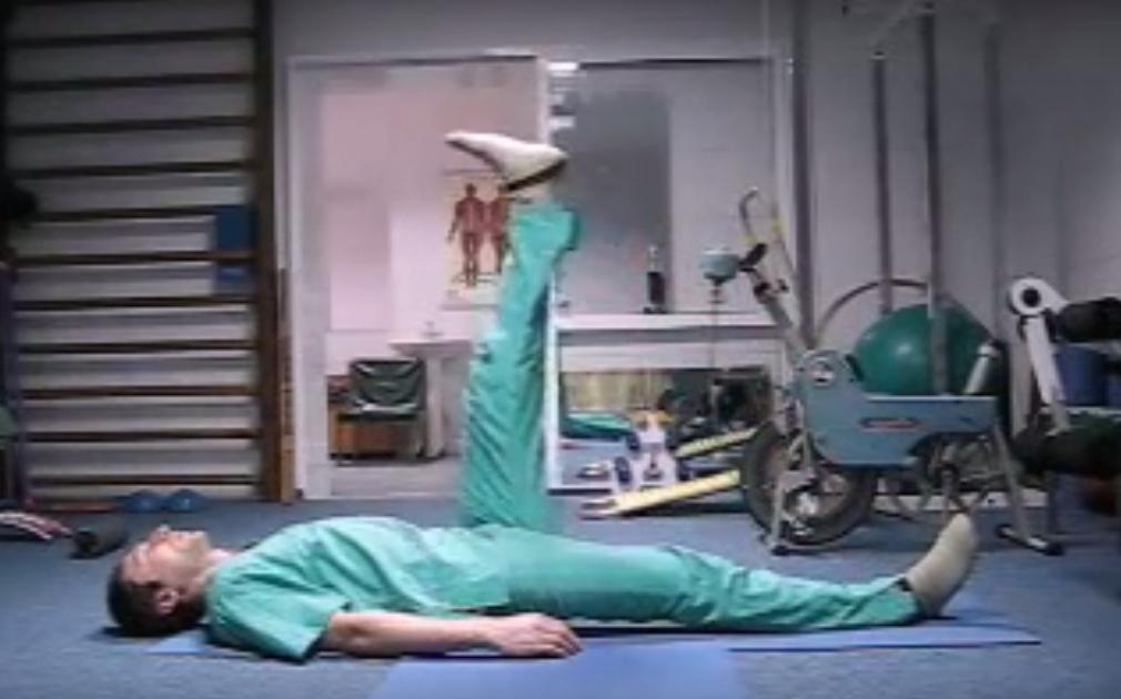 Хирург отговорил меня от операции и посоветовал делать эту зарядку