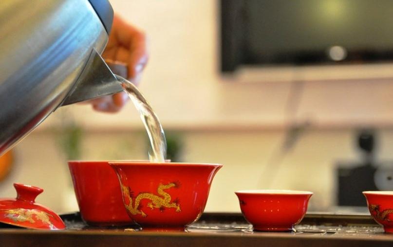 Вот почему китайцы пьют горячую воду в жару