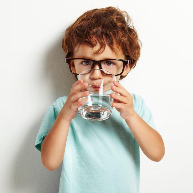 Когда тело молит о воде: Неожиданные признаки обезвоживания