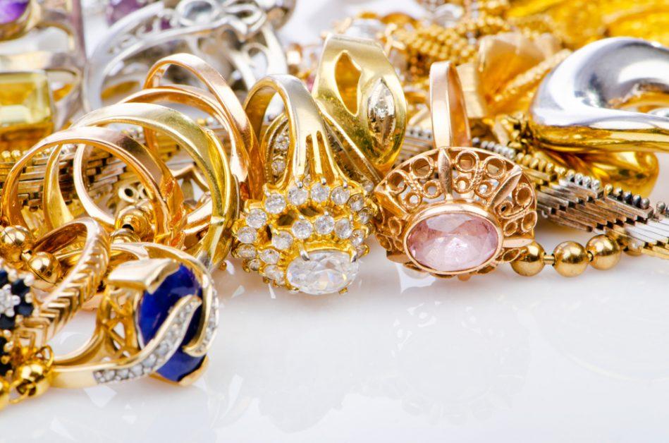 Почему опасно носить золото вместе с серебром: 5 причин