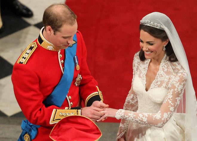Весь мир к твоим ногам: подарки принца Уильяма Кейт Миддлтон