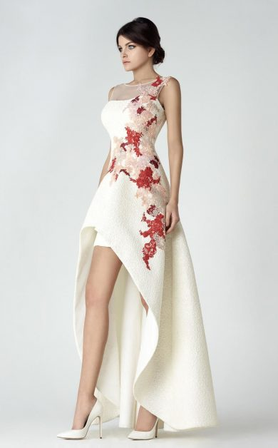 Невероятная женственность: 30 вечерних платьев от Saiid Kobeisy