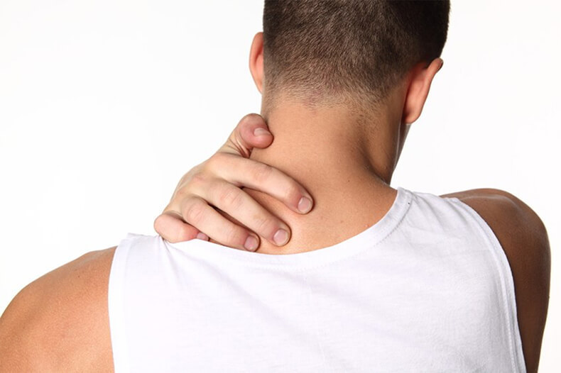 Мышечные зажимы шеи и спины: снятие боли изменением позы