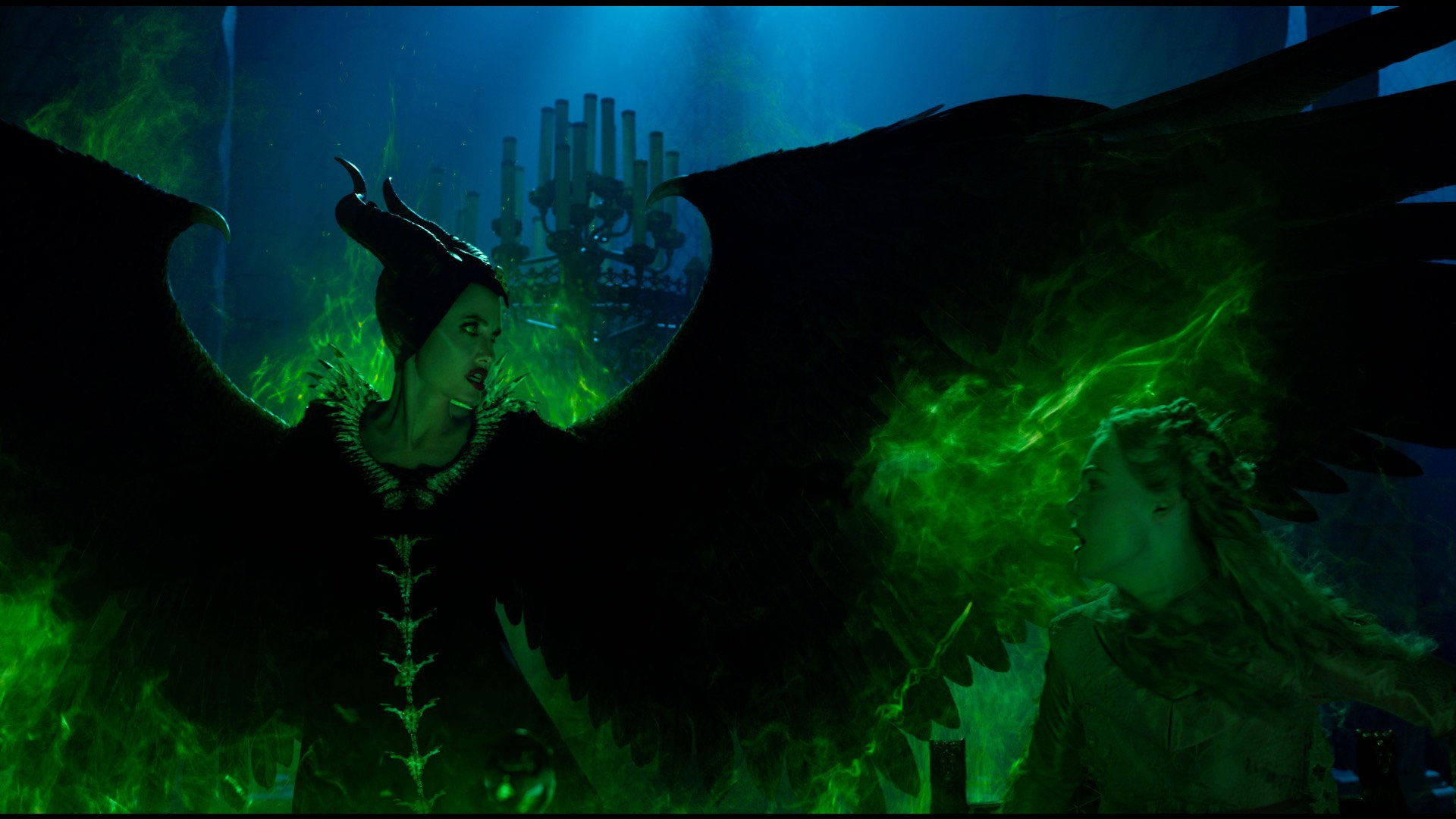 Анджелина Джоли возвращается как Владычица Тьмы в первом трейлере фильма «Малефисента 2»