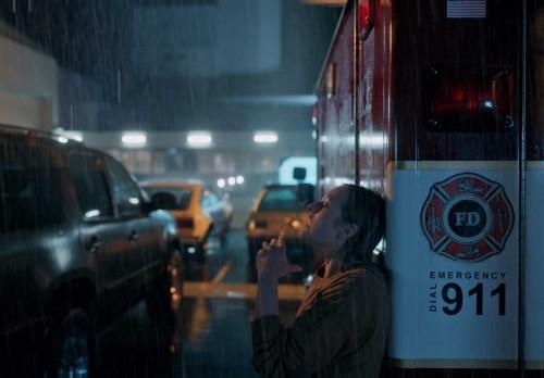 Blumhouse перезагружает Universal Monsters Classic в первом трейлере «Человек-невидимка»