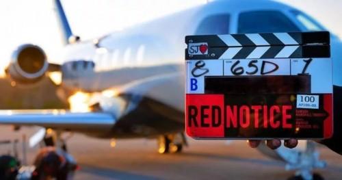 Дуэйн Джонсон объявляет о начале съемок фильма «Красное уведомление» с Райаном Рейнольдсом и Галь Гадот