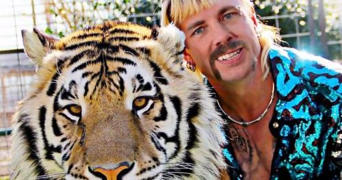Дэкс Шепард хочет сыграть Джо Экзотика в биографическом фильме «Король тигров»